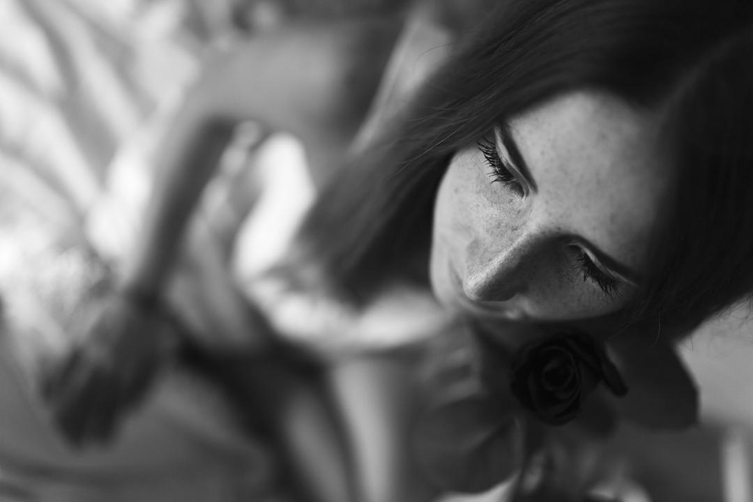 Primo piano sul ragazza, promessa di matrimonio a Padova. Servizio fotografico SWP