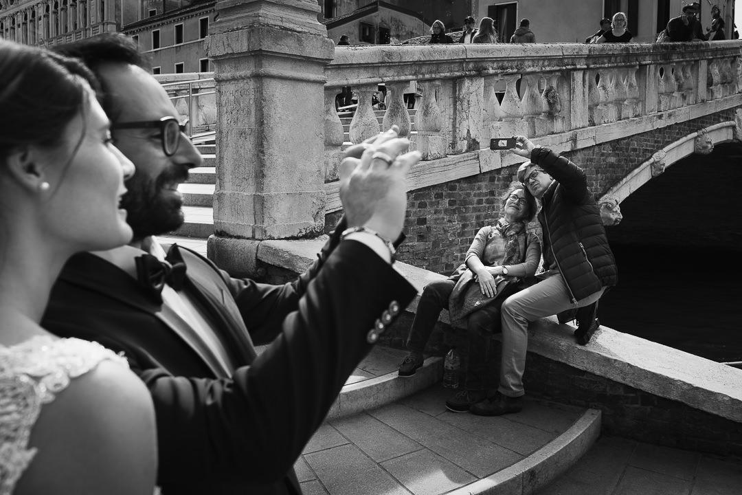 Sessione fotografia post-wedding a Venezia. Servizio per Elisa e Luca. Street Wedding Photography, fotografo di matrimonio Venezia Padova Treviso Veneto 14
