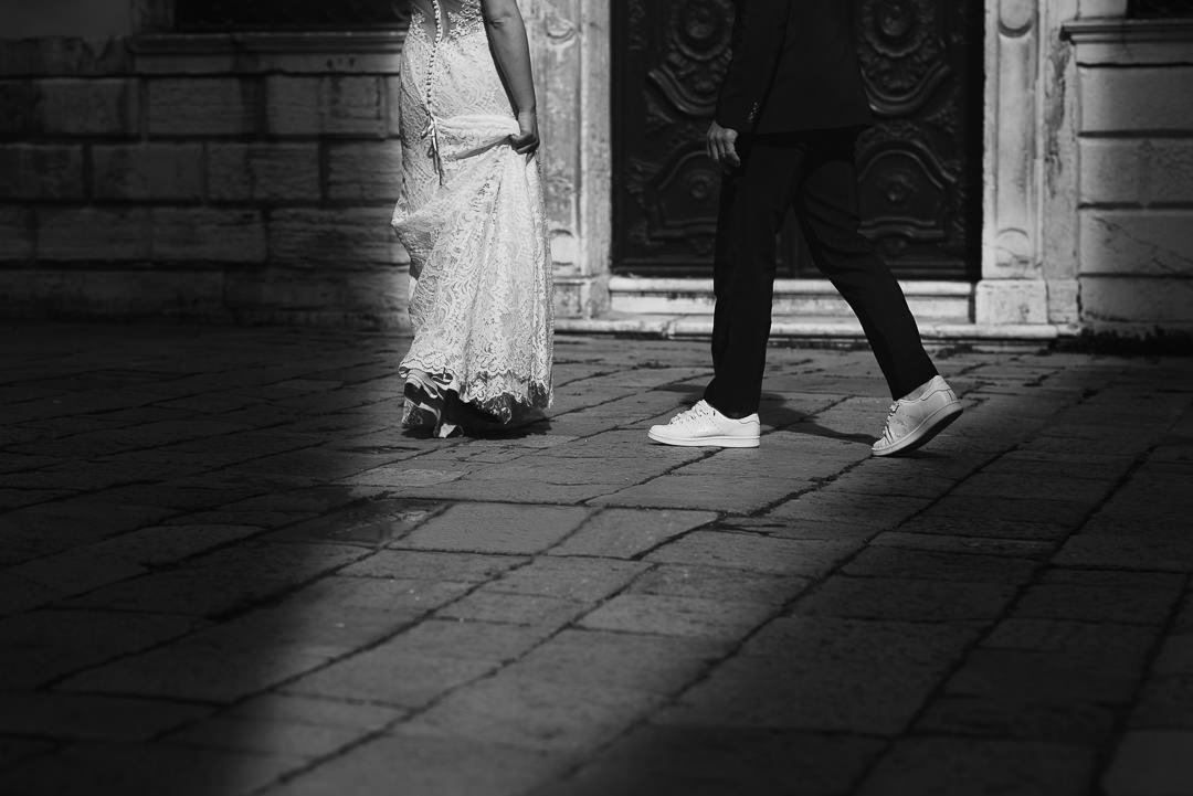 Sessione fotografia post-wedding a Venezia. Servizio per Elisa e Luca. Street Wedding Photography, fotografo di matrimonio Venezia Padova Treviso Veneto 16