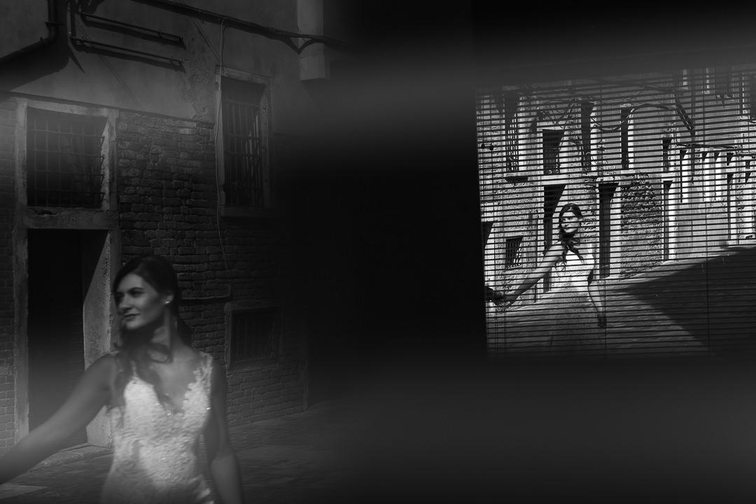 Sessione fotografia post-wedding a Venezia. Servizio per Elisa e Luca. Street Wedding Photography, fotografo di matrimonio Venezia Padova Treviso Veneto 18