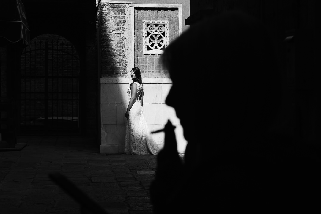 Sessione fotografia post-wedding a Venezia. Servizio per Elisa e Luca. Street Wedding Photography, fotografo di matrimonio Venezia Padova Treviso Veneto 21