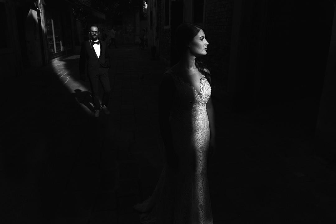 Sessione fotografia post-wedding a Venezia. Servizio per Elisa e Luca. Street Wedding Photography, fotografo di matrimonio Venezia Padova Treviso Veneto 24