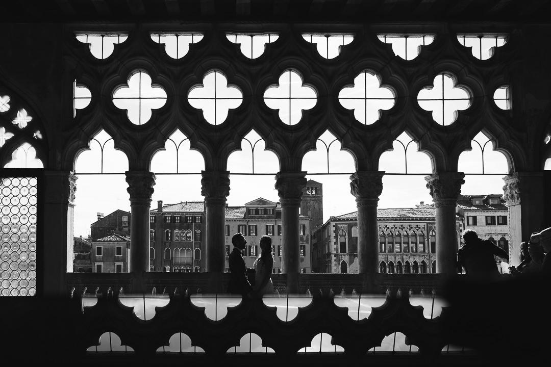 Sessione fotografia post-wedding a Venezia. Servizio per Elisa e Luca. Street Wedding Photography, fotografo di matrimonio Venezia Padova Treviso Veneto 26