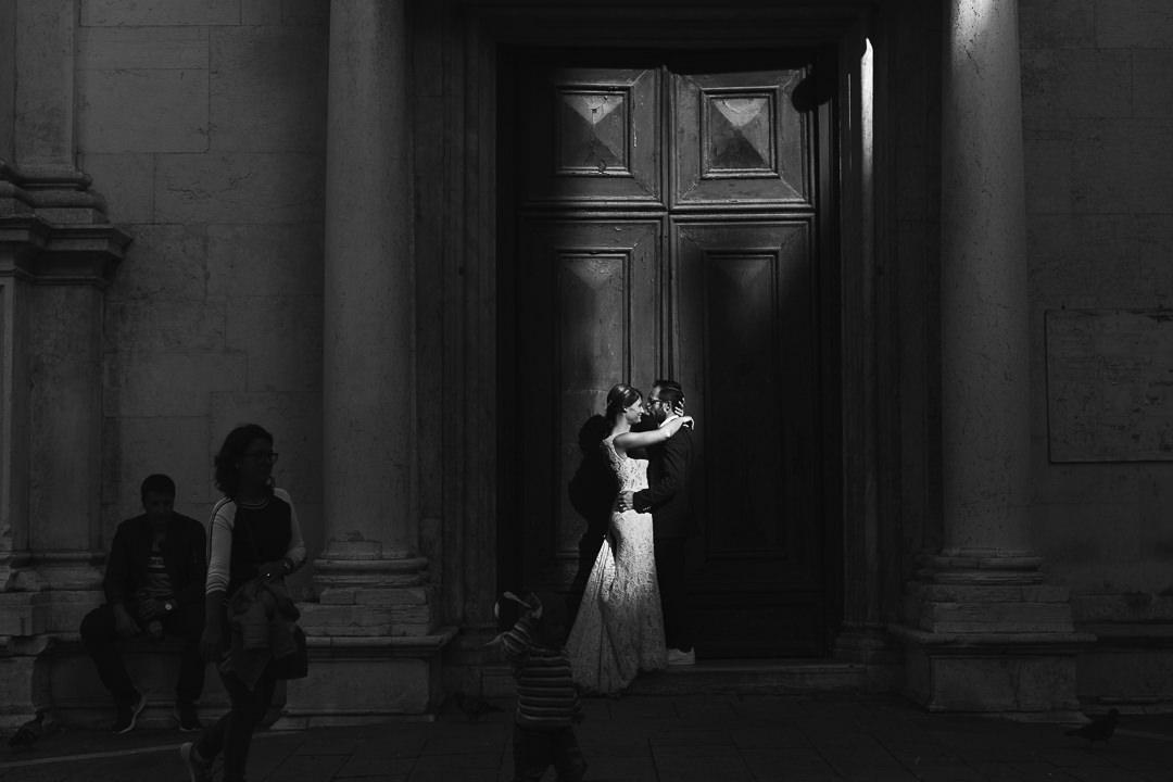 Sessione fotografia post-wedding a Venezia. Servizio per Elisa e Luca. Street Wedding Photography, fotografo di matrimonio Venezia Padova Treviso Veneto 27
