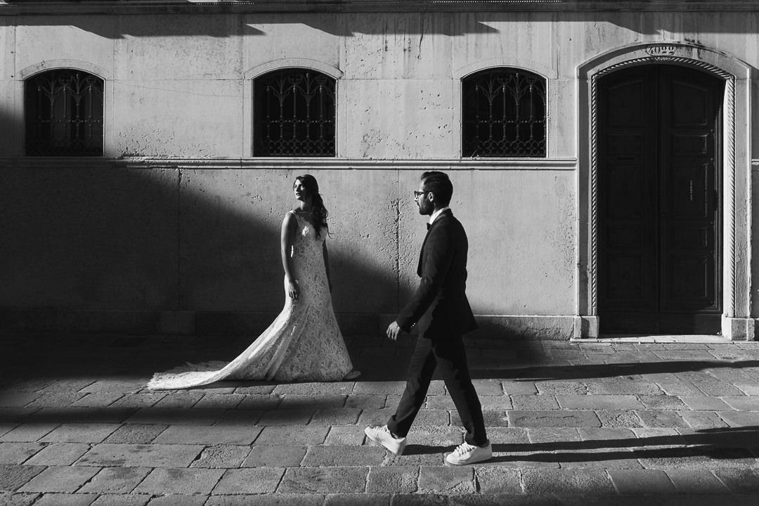 Sessione fotografia post-wedding a Venezia. Servizio per Elisa e Luca. Street Wedding Photography, fotografo di matrimonio Venezia Padova Treviso Veneto