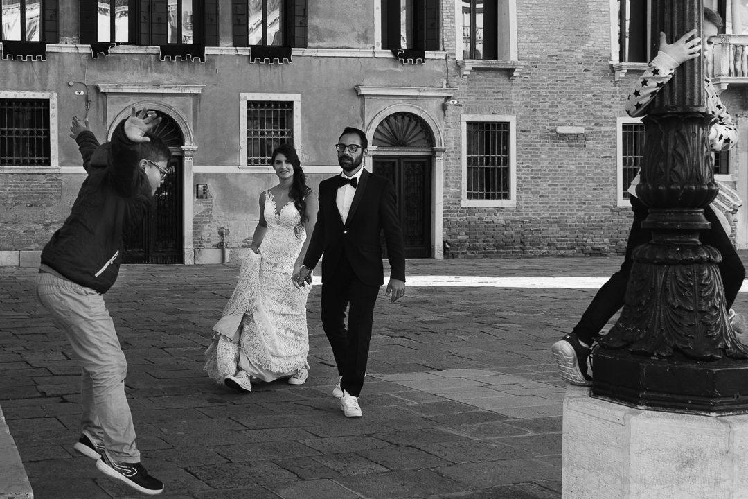 Sessione fotografia post-wedding a Venezia. Servizio per Elisa e Luca. Street Wedding Photography, fotografo di matrimonio Venezia Padova Treviso Veneto 31