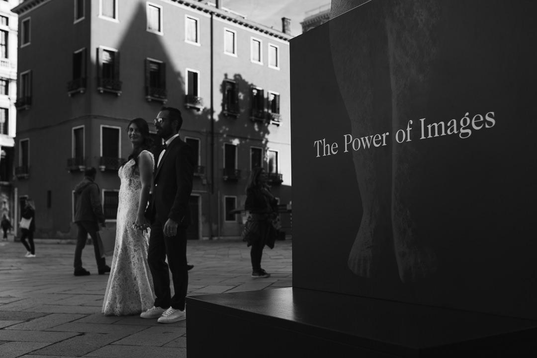 Sessione fotografia post-wedding a Venezia. Servizio per Elisa e Luca. Street Wedding Photography, fotografo di matrimonio Venezia Padova Treviso Veneto 32