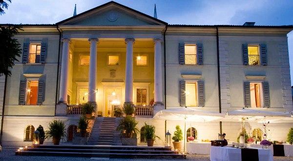 Vista frontale di Villa di Bagno, Mantova